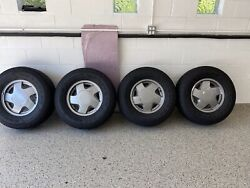 1 Goodyear Wrangler All Season 265/70r16 Chevy Tahoe Set Of 4tires And Rims