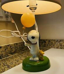Rare Vintage - Peanuts Snoopy Balloon And Woodstock Lamp With Original Lampshade