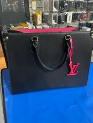 louis vuitton onthego GM BLACK LEATHER INSIDE PINK $2100.00