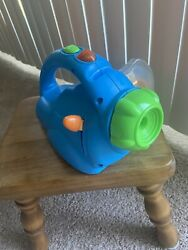 Fisher Price 2003 View Master Show And Tell Wall Projector 36 Reels And Case