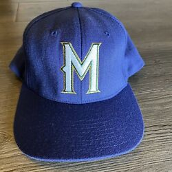 Vintage 1990's 90's Milwaukee Brewers Starter Fitted Hat Mlb Baseball Cap