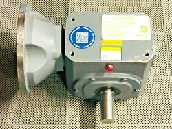 Boston Gear Qc732-10kezt-b9-g1-dtg Right Angle Worm Gearbox 700 Series