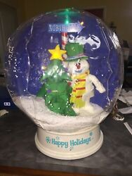 """2005 Frosty The Snowman Snow Globe 15"""" In Box. Has Christmas Music"""