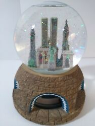 Vintage 90's New York City Pre 9/11 Twin Towers Animated Musical Snow Globe Met