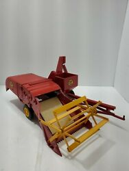 1950's Vintage Reuhl Products Massey Harris Red Metal Clipper Combine Nice