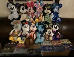 Complete Set Of Minnie Main Attraction Plush And Pins January Thru December