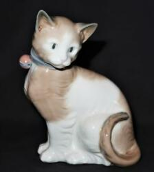 Nao By Lladro Porcelain Figurine 492 All Decked Out Kitty Cat With Bell