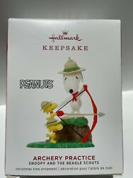 Hallmark Ornament 2019 Archery Practice Snoopy and Beagle Scouts Peanuts NEW