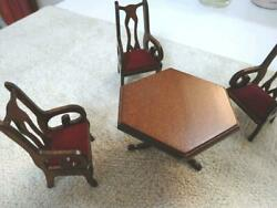 Miniature / Miniature Furniture / Western-style Hexagonal Table And 3 Chairs