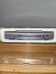 Con-cor N Scale Amtrak Phase 2 1381 85' Rpo/baggage Passenger Car. Vintage, New