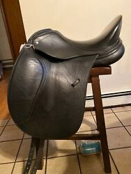 Schleese Prelude 2015 Dressage Saddle 17 Seat Mint