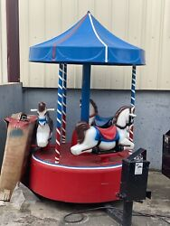 Working Coin Operated Carousel Kiddie Ride Amusement Ride Merry Go Round Horse