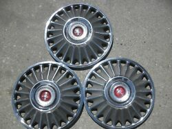 1967 Ford Mustang Hubcaps 14 Inch 3