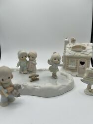 Precious Moments Sugar Town Skating Pond Complete Set With Boxes - 7 Pieces