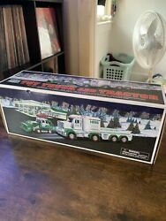 Hess 2013 Toy Truck And Tractor Cib See Pics Good Condition
