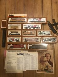 Vintage Tyco Spirit Of 76 Ho Scale Electric Train Set Cars Boxes Track Papers