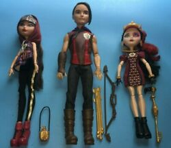Ever After High Tri Castle On Hunter, Cerise, And Lizzie Dolls