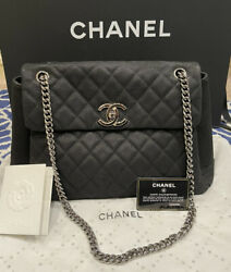 💯 Authentic Lady Pearly Black Caviar Leather Bag Gorgeous