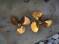 Bronze 19x18 Boat Propellers-bronze 39423and 39422 From 2 Engine Yachtused