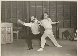 Alan Ladd And His Fencing Instructor In Iron Mistress Original Vintage 1952