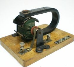 toy dynamo for model steam engine approx