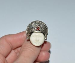 Vintage Indonesia Sterling Silver White Agate And Garnet Face Ring