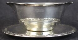 Wm Rogers And Son Spring Flower Silver Plate Gravy Boat W/ Attached Underplate