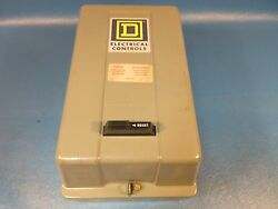 Square D Ac Magnetic Contactor Enclosed, 120v Type Sbg 2 Class 8536, Nema Size 0