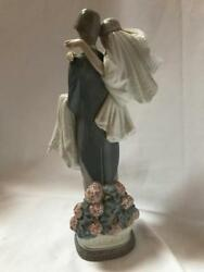 Lladro Porcelain Figurine 5282 Bride And Groom. Over The Threshold Retired.