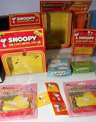 9 Empty Vintage Peanuts Snoopy Toy Boxes Aviva Die Cast Motorized Push Button