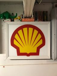 Shell Colectible Sign Red And Yellow