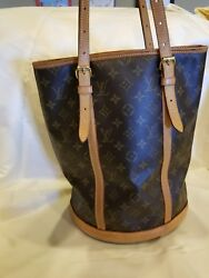 Louis Vuitton women's large bucket bag and wallet