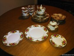 Royal Albert Old Country Roses English Bone China - 6 Place Settings +additional