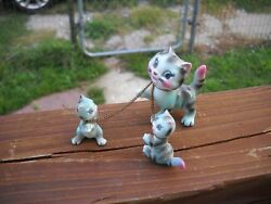 VINTAGE SMALL MOMMA KITTY CAT & TWO KITTENS CERAMIC FIGURINES