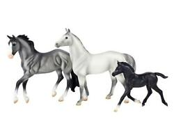 Breyer NEW * Heroes of the West * 61098 Harper Thoroughbred Classic Model Horse