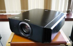 JVC DLA-X500R 1300 Lumens 131H Lamp Life Home Theater Projector