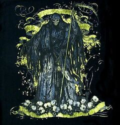 Hooded Grim Reaper Stands On Heaps Of Skulls From His Victims T-shirt Ws208
