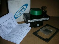"""Rees 03855-003 W/green Button 2.25"""" Mushroom Plunger Switch, Nos"""