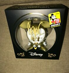 Disney Limited Ed Exclusive Signed Gold Mickey Fan Expo And03919 Vinyl Shorts Figure