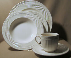 Mikasa Italian Countryside Dd900 4 Place Settings 20 Piece Set Excellent