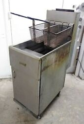 Pitco Frialator 40s Commercial Natural Gas Fryer, Economy 40-45 Lb. Oil Capacity