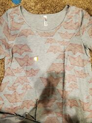 Brand New Lularoe Classic tee! Size Med Gray with Pink Origami! Very cute!