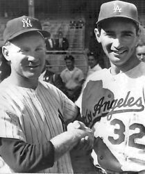 GREAT PHOTO OF YANKEE AND DODGERS GREATS SANDY KOUFAX AND WHITEY FORD 8X10