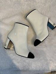 White Patent Ankle Boots With On Heels Sz37