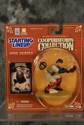 1998 Mlb Starting Lineup Yogi Berra Cooperstown Collection W/ Free Shipping