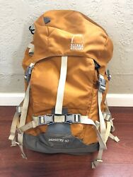 Sierra Designs hiking backpack Ministry 40 Mountain Climbing