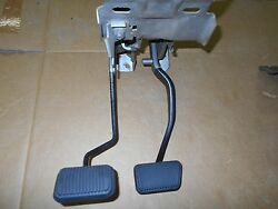1969 Ford Mustang / Shelby Gt350 Gt500 Cougar Clutch Pedal Montage W