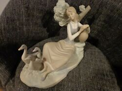 Lladro 1212 Women Carrying Water With 3 Geese Matte Finish