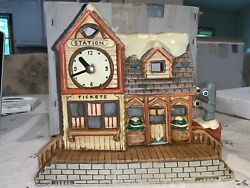 Lefton Colonial Christmas Village Mulberry Station 07344 From 1989