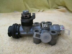 Knorr-bremse Sv1468 Height Control Valve New C8